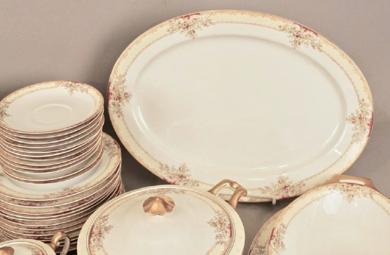 90 Piece Set of Hand Painted Meito China - 2