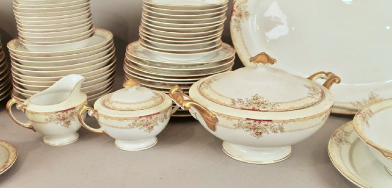 90 Piece Set of Hand Painted Meito China - 3