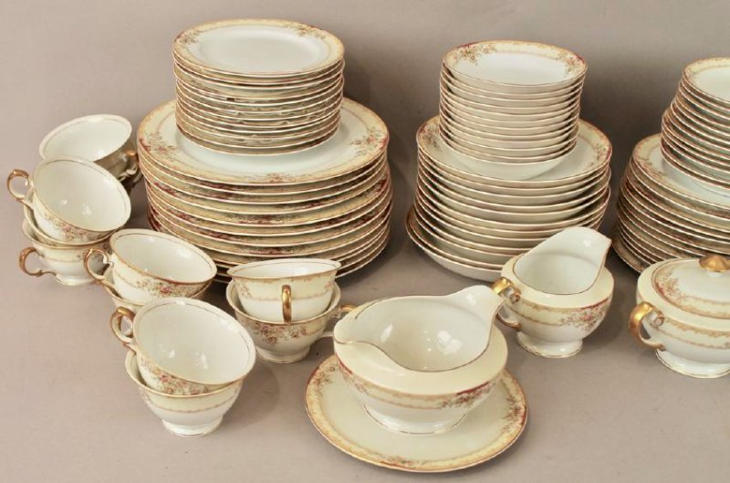 90 Piece Set of Hand Painted Meito China - 4
