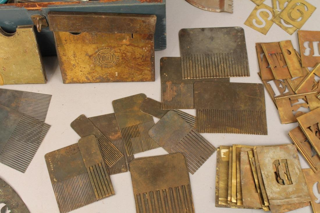 Box of Vintage Painters Tools, Grain Painting - 3