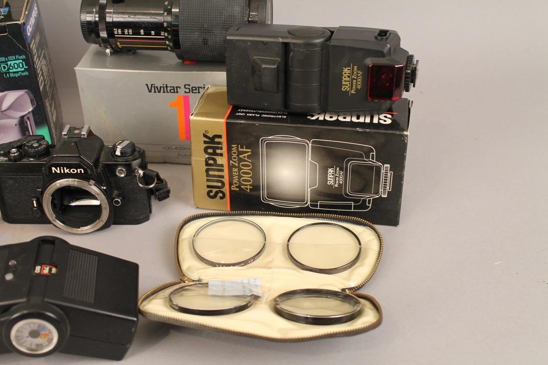 Lot of Cameras, Lenses and Photo Equpiment - 5
