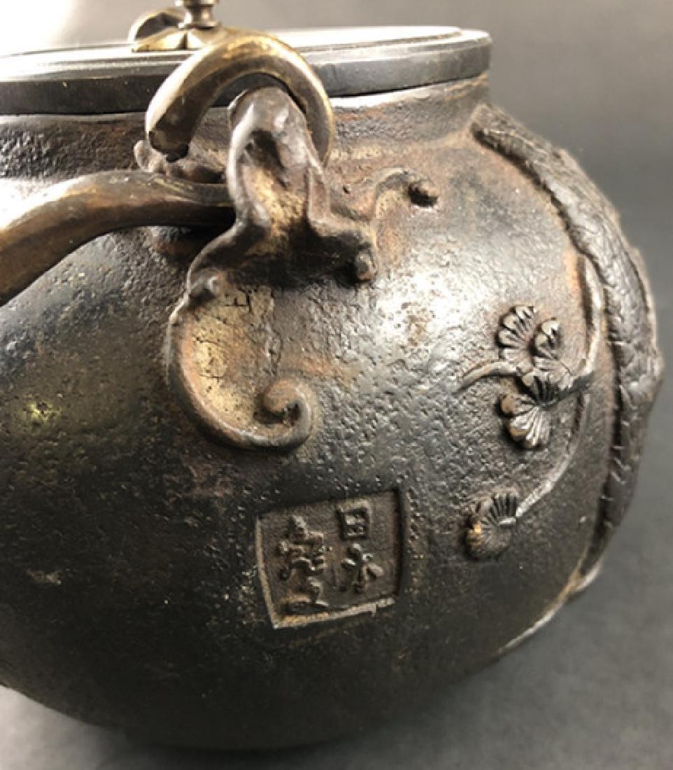 19th century Japanese production iron pot - 5