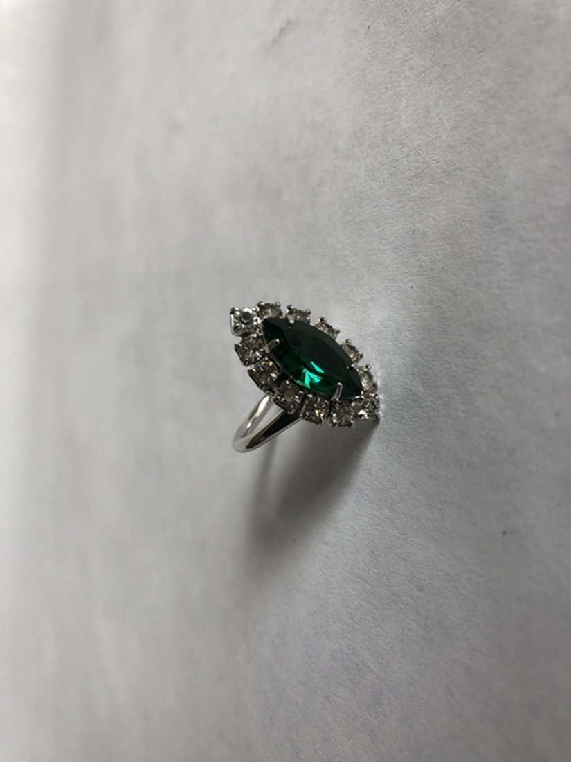 Emerald and diamond white gold ring - 3