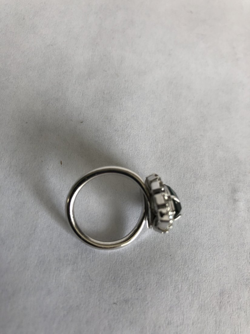 Emerald and diamond white gold ring - 4