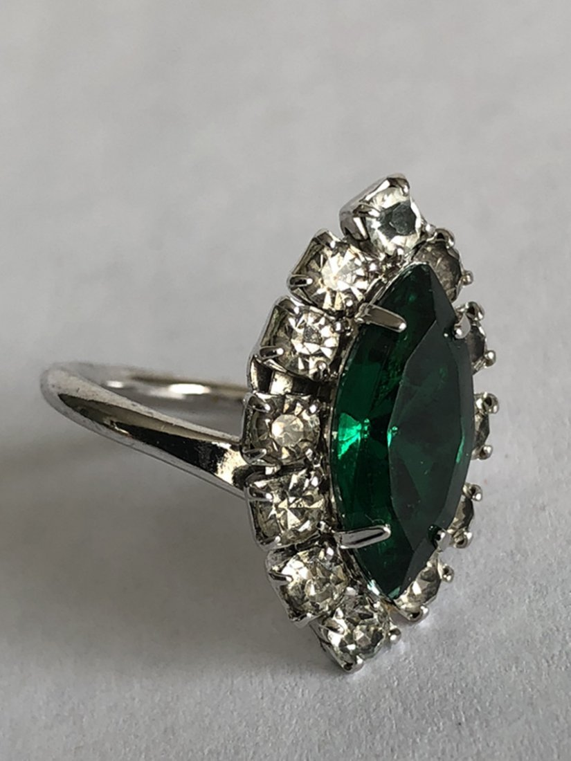 Emerald and diamond white gold ring - 6