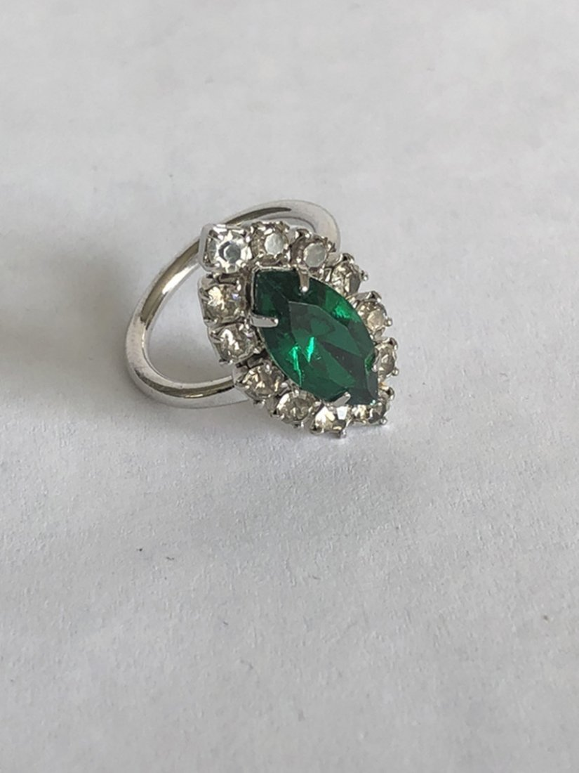 Emerald and diamond white gold ring - 7
