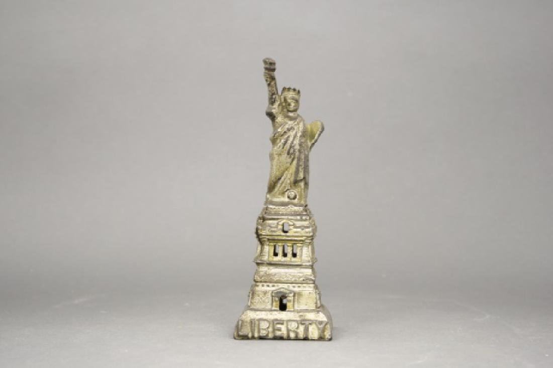 Statue of Liberty, Medium (Silver)