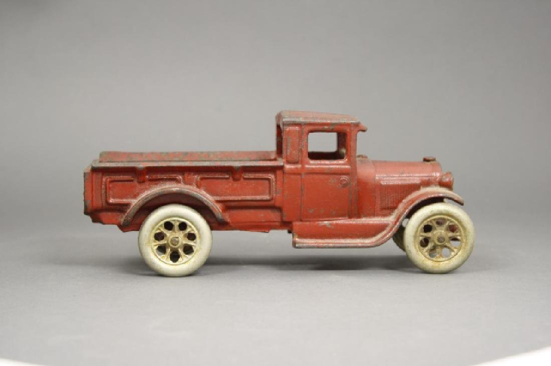 Tow Truck / Flat Bed Truck - 2