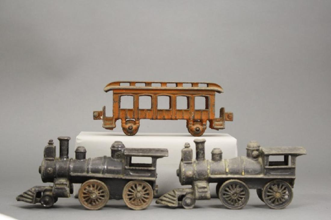 Lot: Two Locomotives and One Passenger Car