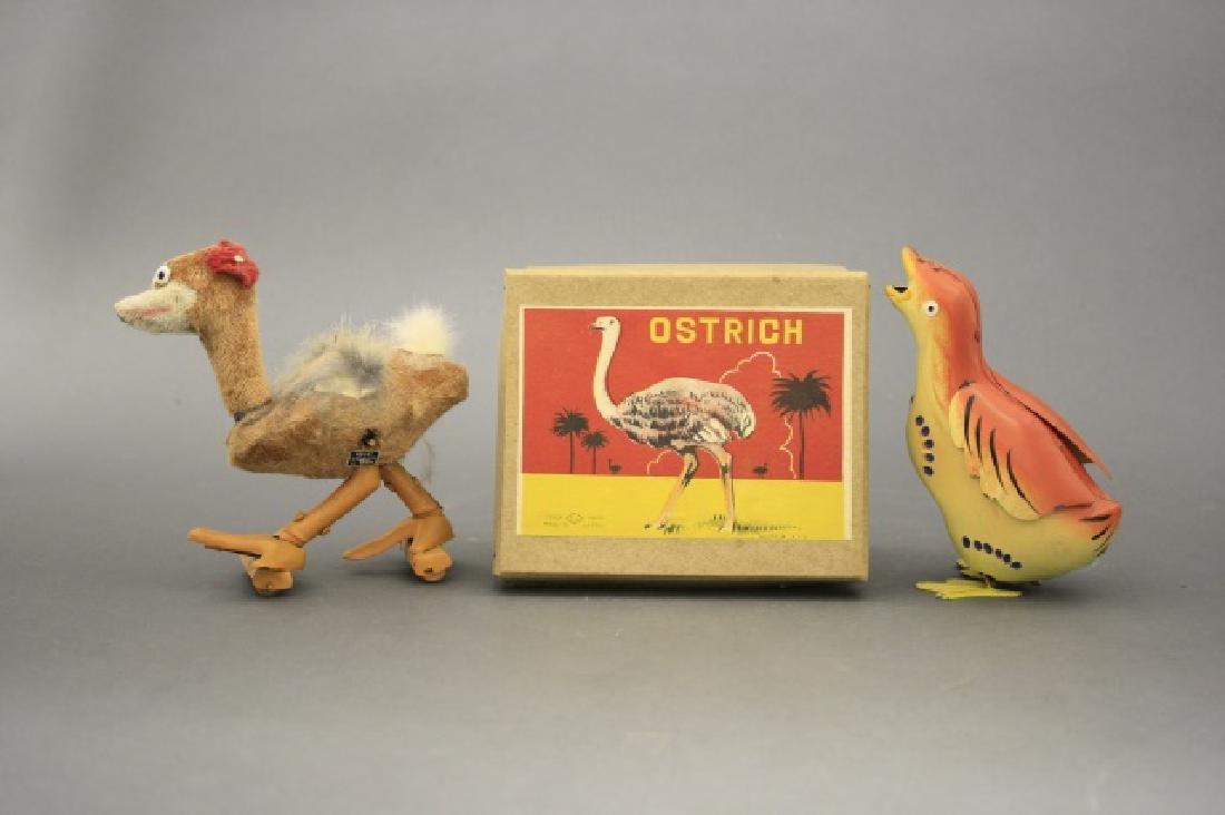 Lot: Ostrich, Bird