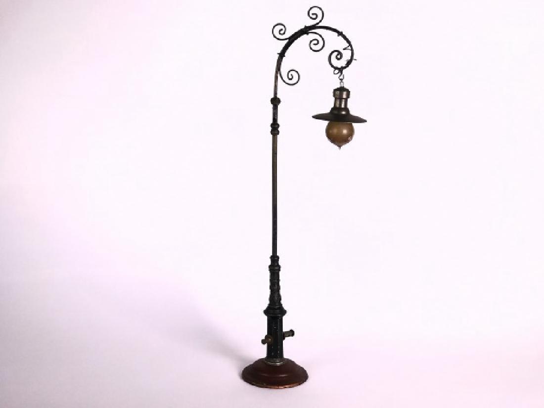 Marklin Large Electric Street Lamp