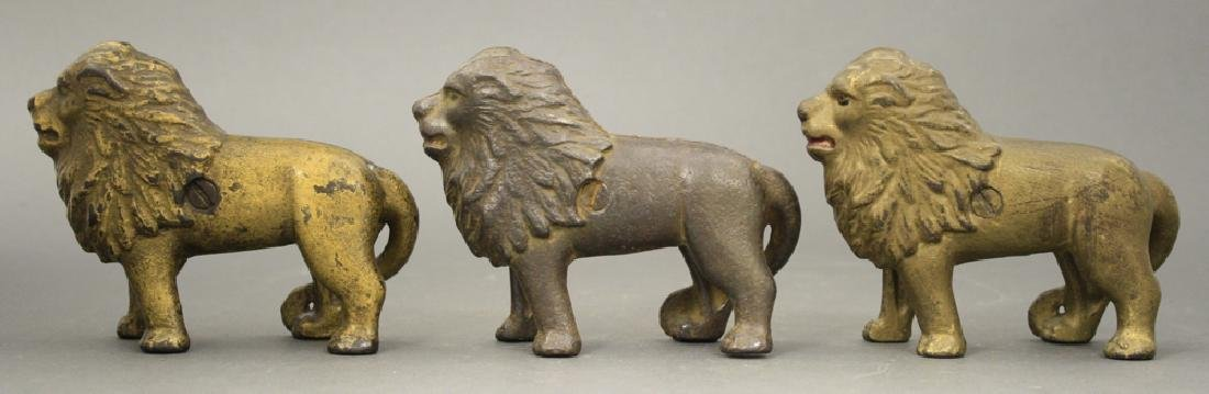 Lot: Three Lion Tail Right Banks