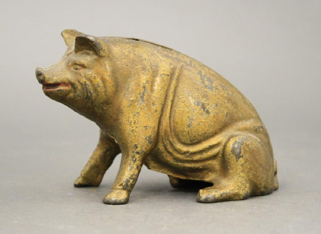 Seated Pig
