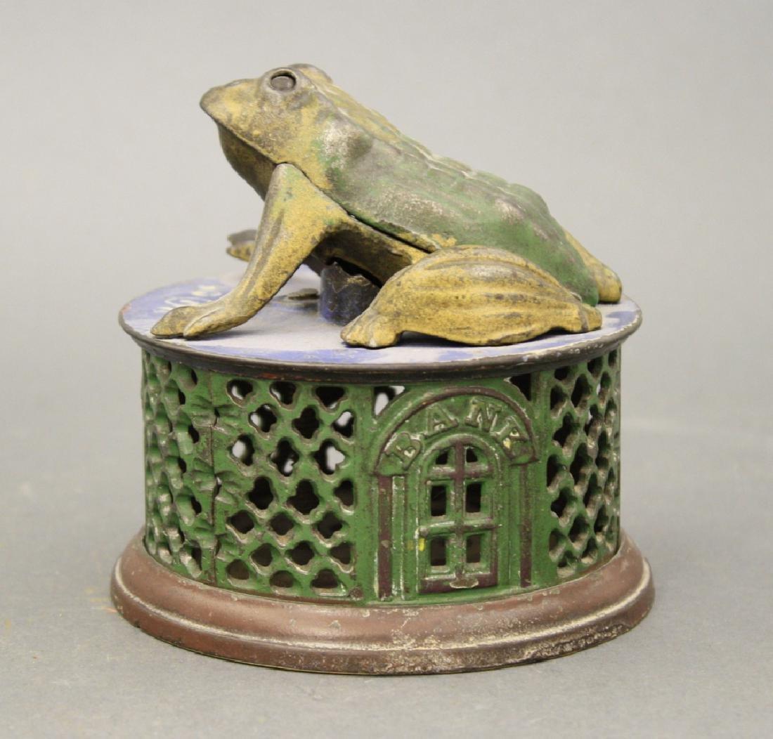 Frog on Lattice
