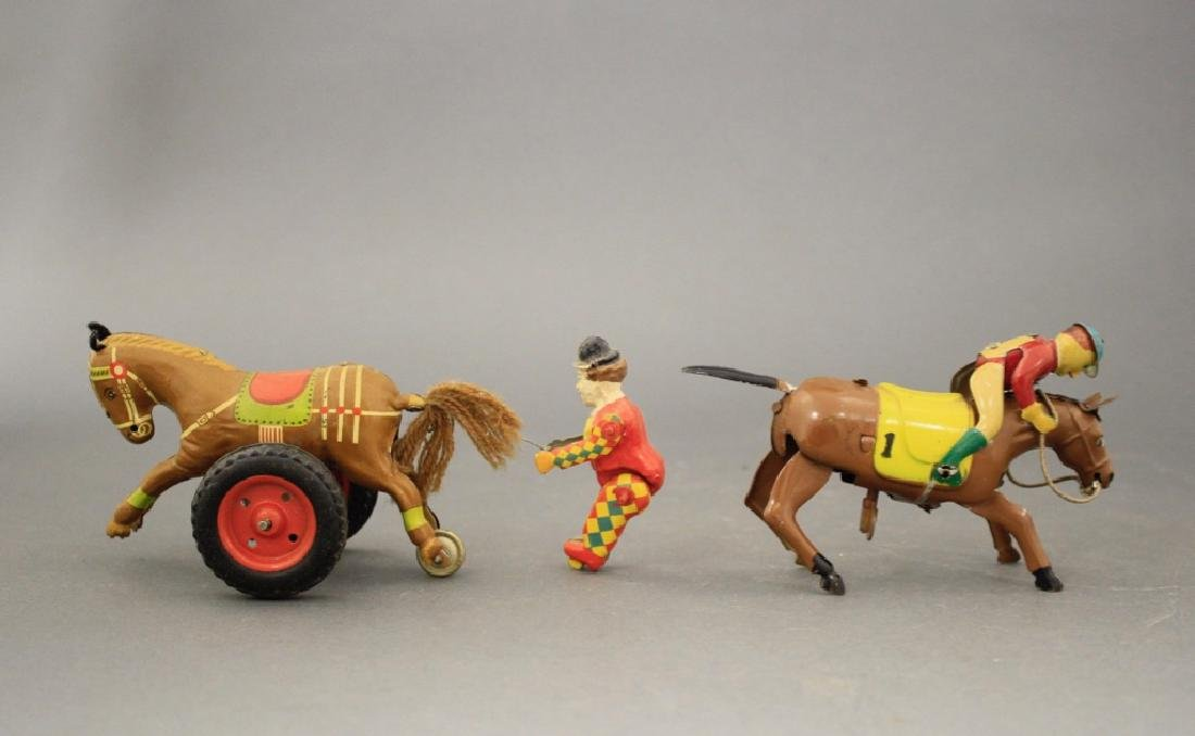 Lot: Clown w/ Horse / Jockey - 2