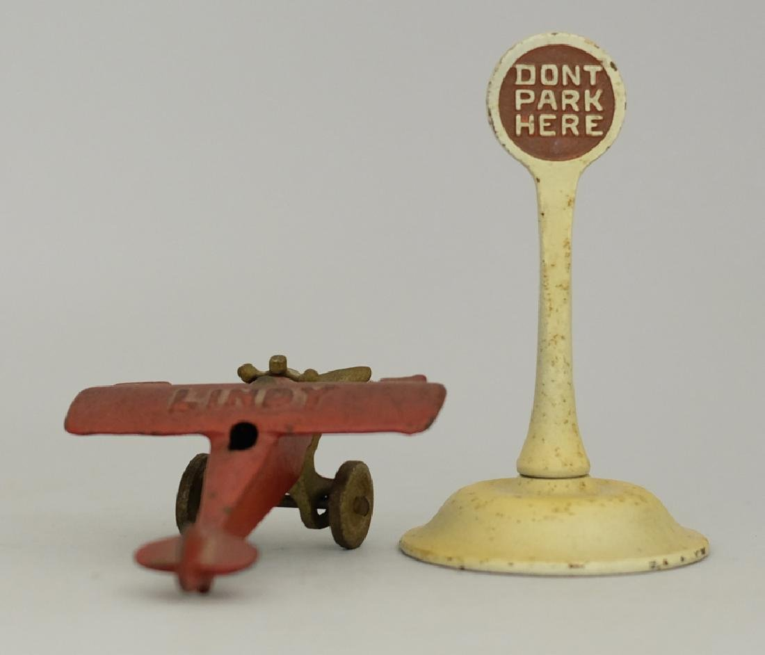 Lindy Airplane / Don't Park Here Sign