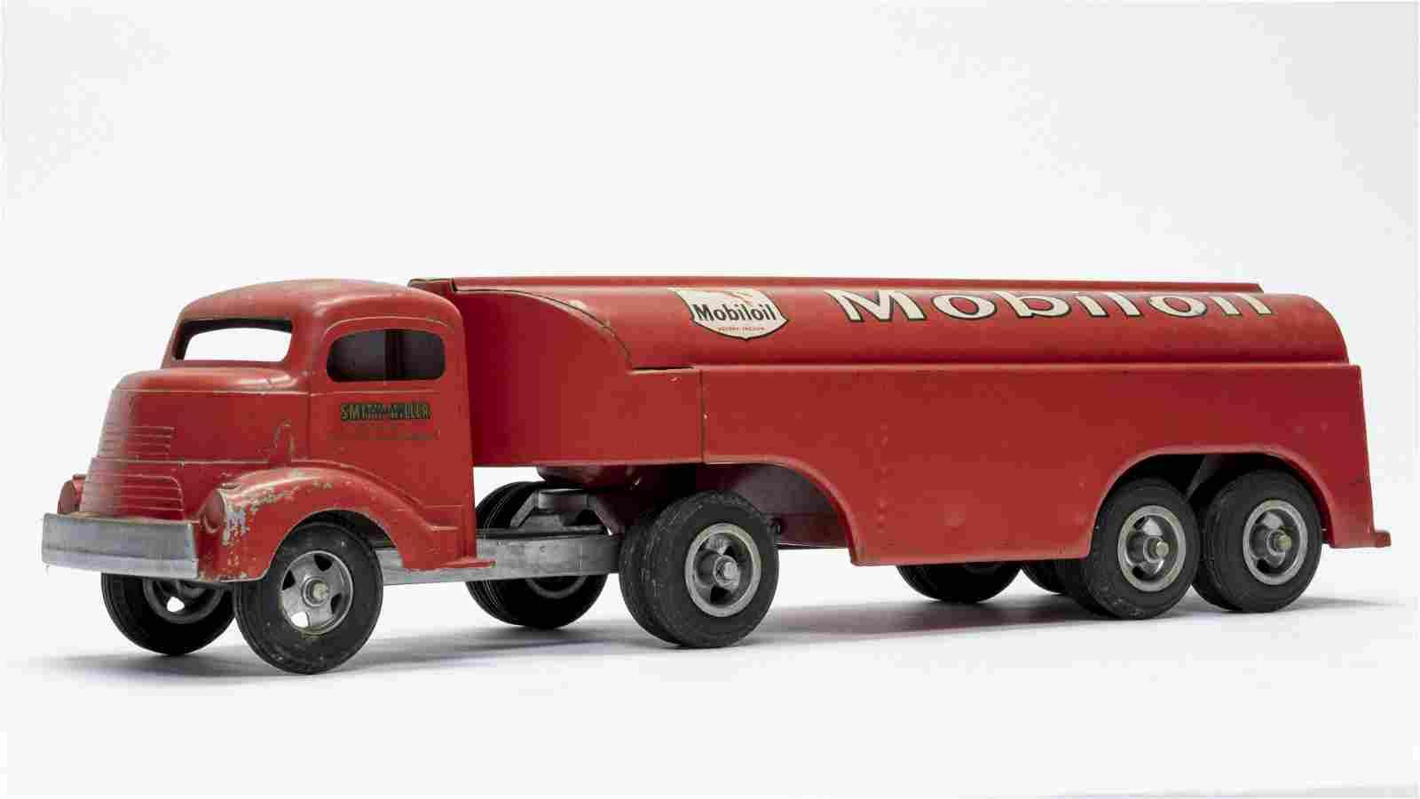 Smith Miller Mobiloil Truck