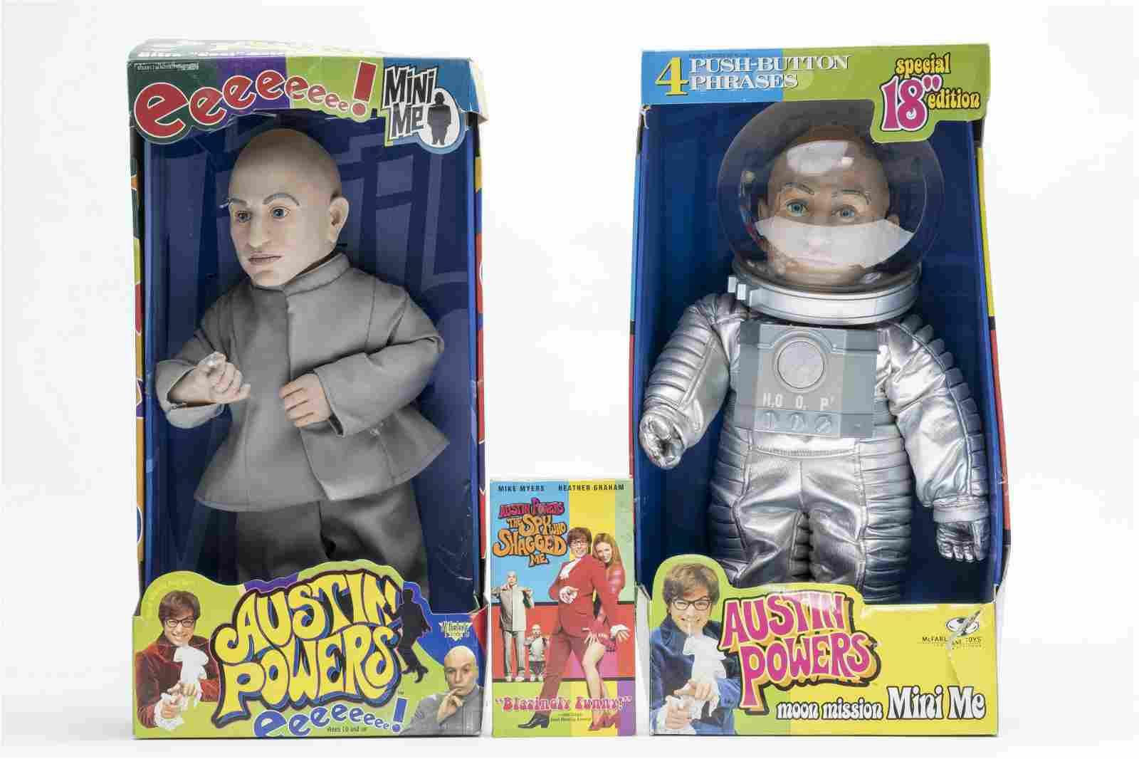 Two Mini Me Figures, Austin Powers