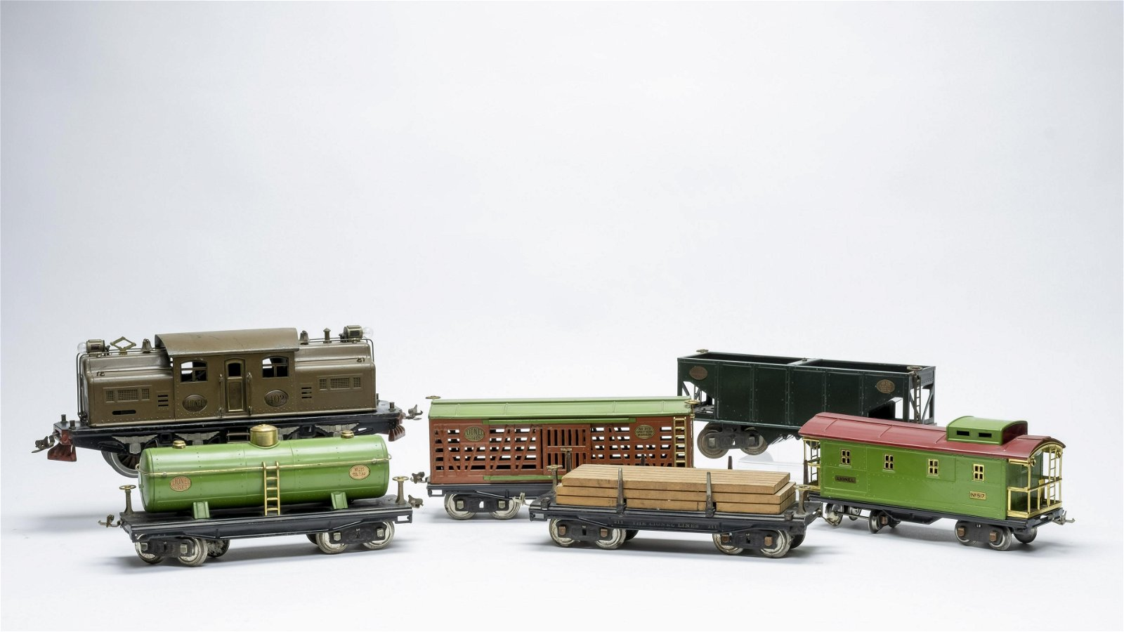 Lionel #402 Engine and Train Cars