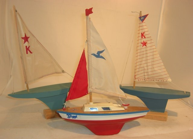 3 SAILBOATS, 2 W/ STANDS