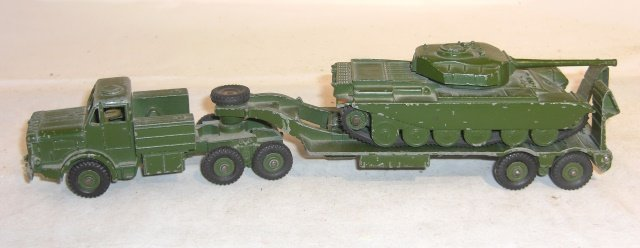 DINKY TANK CARRIER AND TANK