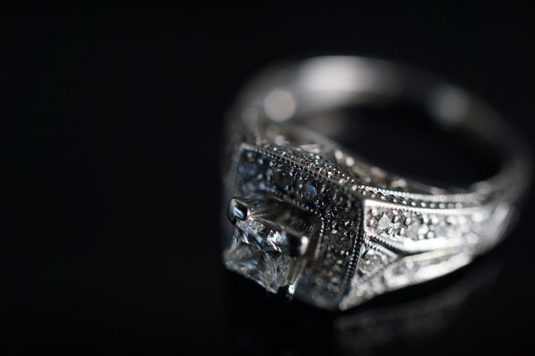 14k WG Art Deco Diamond Ring - 4