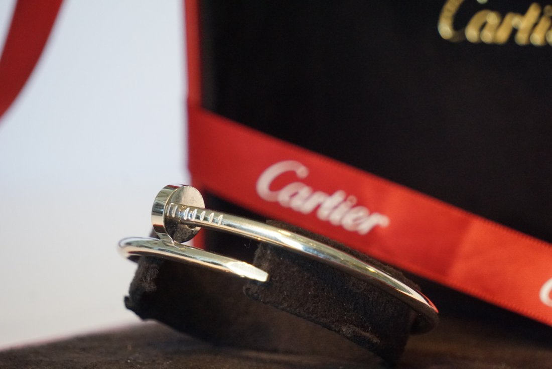 18k White Gold Cartier Nail Juste un Clou Bracelet - 2