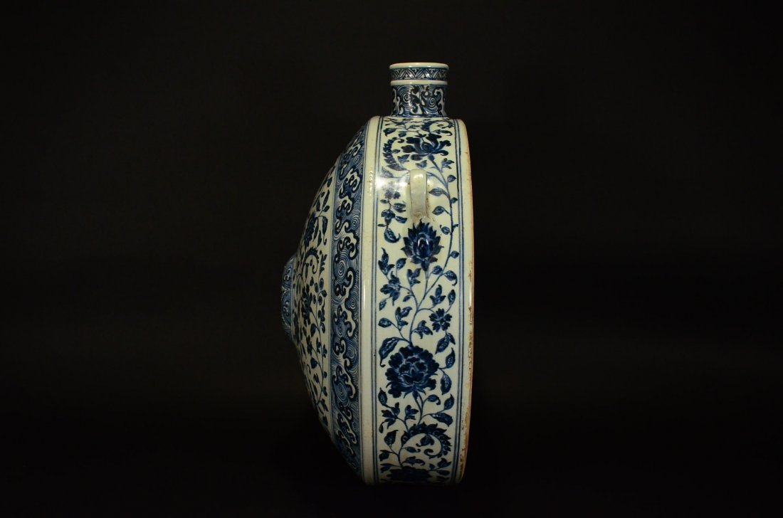 MING OR LATER, A BLUE AND WHITE POT - 3