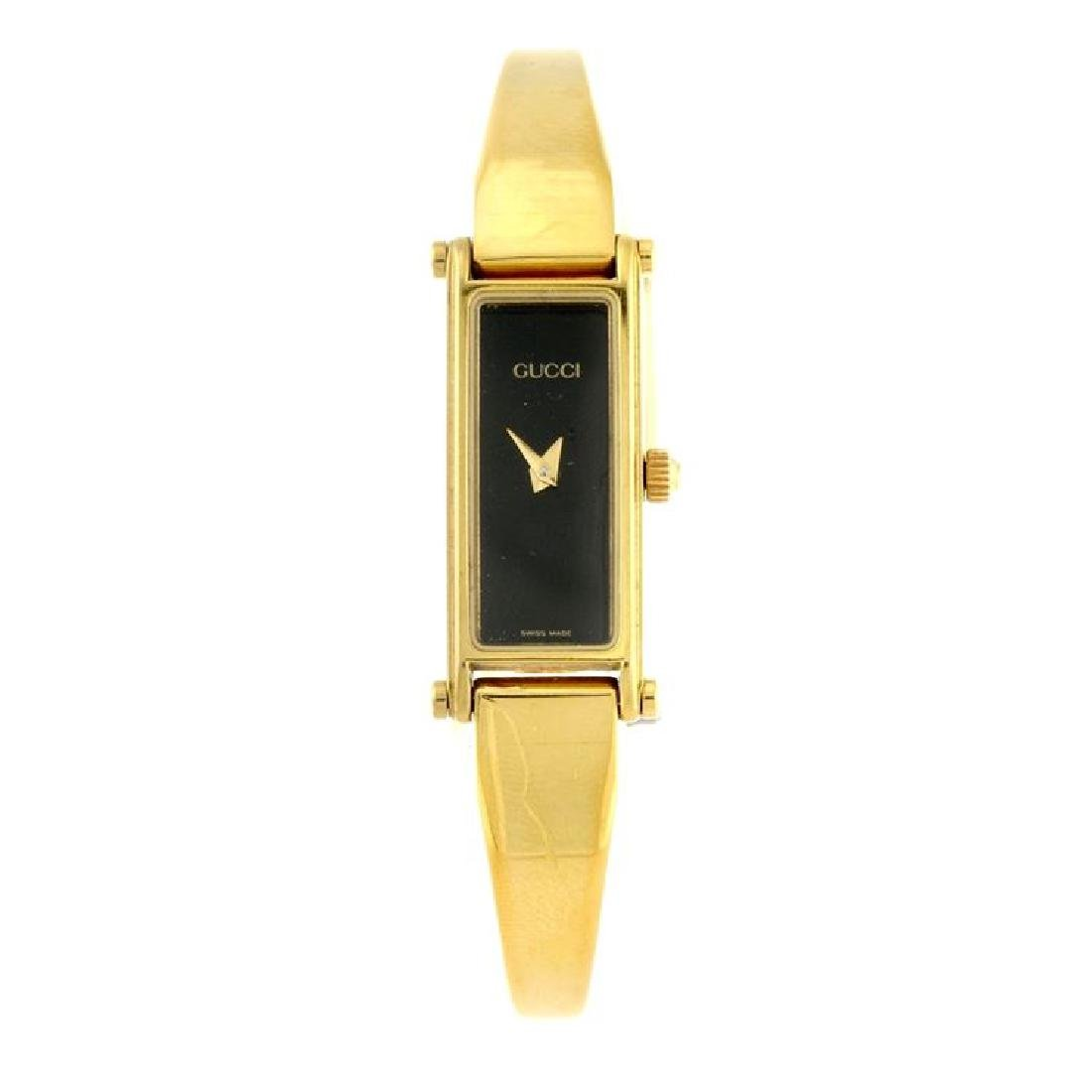 A Lady`s Gucci 1500l gold plated watch