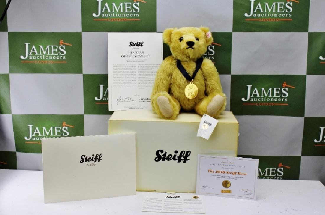 A Steiff The 2010 Steiff Bear, No.0760, exclusively