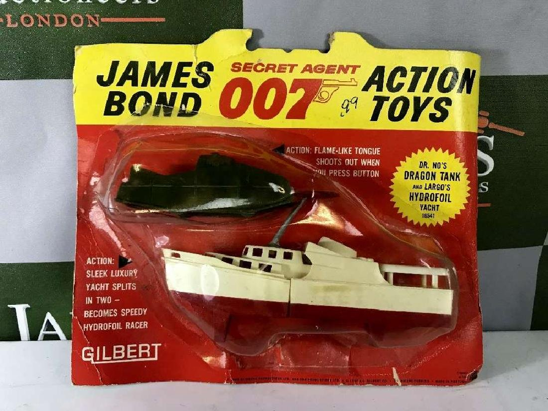 Gilbert James Bond-Dr No's Dragon Tank & Largo's