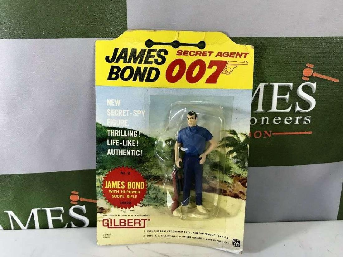 Gilbert James Bond 007 No 2 Figure On Card
