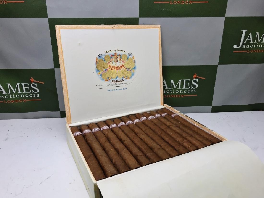 Cigars; H.Upmann Monarchs SLA SEP01 2001,
