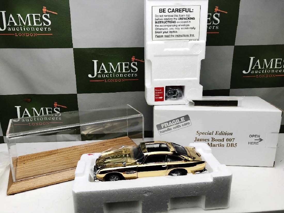 New Danbury Mint James Bond 007 Aston Martin DB5 1:24 - 2