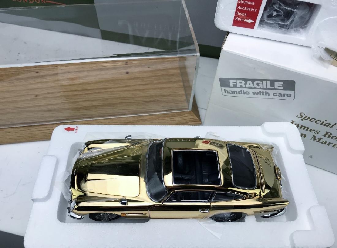 New Danbury Mint James Bond 007 Aston Martin DB5 1:24 - 4