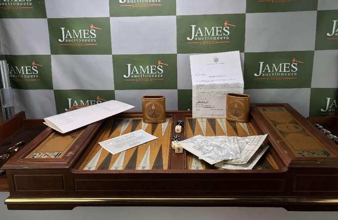 Franklin Mint Excalibur Backgammon Gold & Silver Set - 7