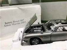 New Danbury Mint-James Bond 007 Aston Martin DB5 1:24