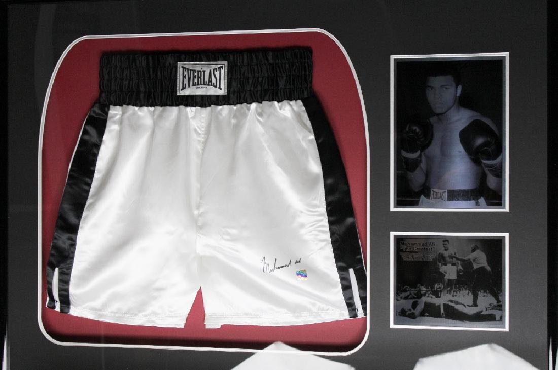 Muhammad Ali Pair of Signed Everlast Shorts Boxing - 3