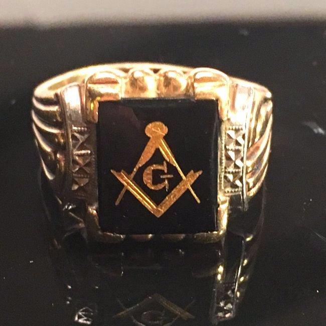 Men's Superior Masonic Gold & Onyx Ring