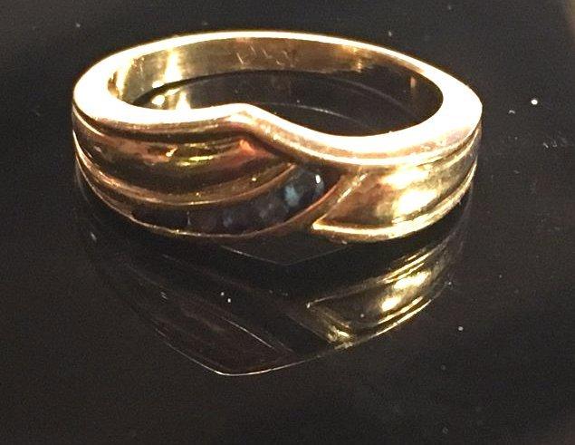Glamorous Ladies Gold & Sapphire Pavé Ring