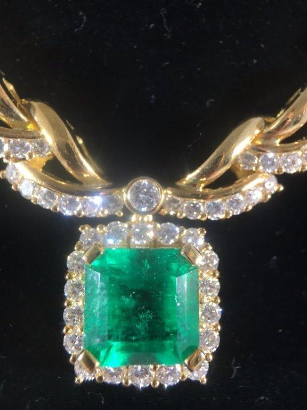 STUNNING 5.5ct Columbian Emerald & Diamond necklace