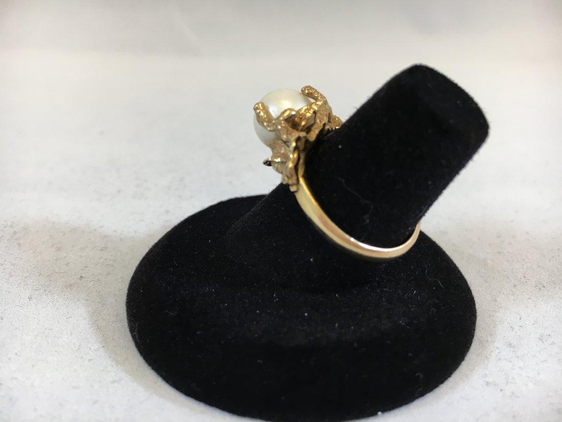 Glamorous Freshwater Pearl Ring set in 14K gold - 7