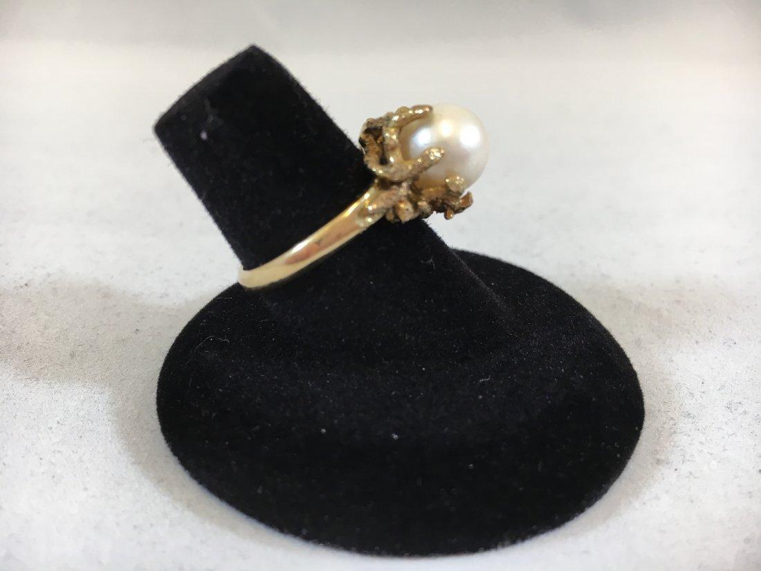Glamorous Freshwater Pearl Ring set in 14K gold - 8