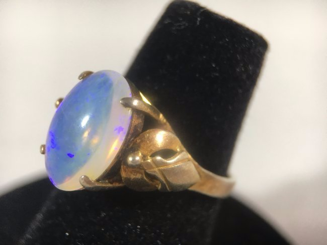 Blue Opal Cabochon Ring set in 14K yellow gold - 2