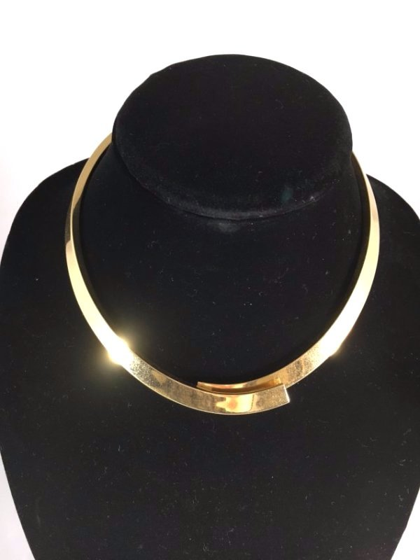 Runway 1979 PESAVENTO Solid 18K Gold crossover necklace