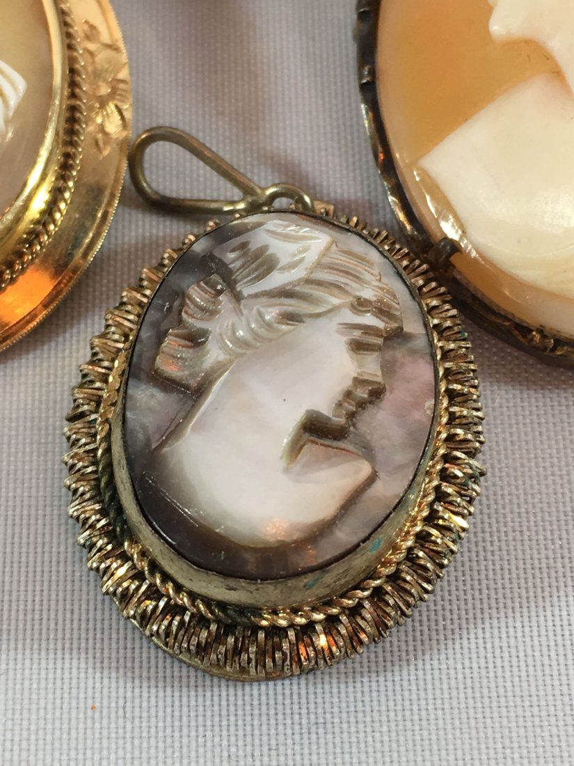 Lovely lot of 4 Cameo Brooches set in Sterling and Gold - 2