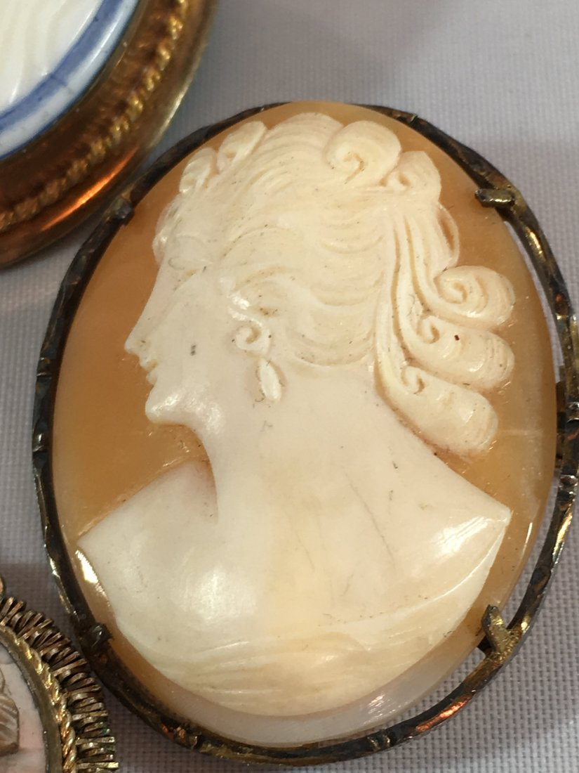 Lovely lot of 4 Cameo Brooches set in Sterling and Gold - 3