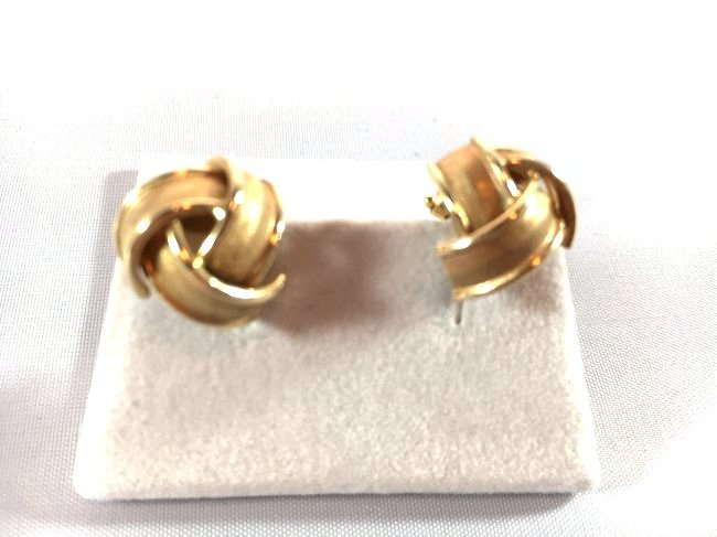 14k Brushed Gold Knot Ladies Pierced Earrings