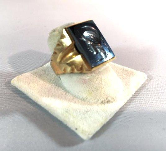 Men's Trojan Intaglio Ring Set in 10k Gold sz 11