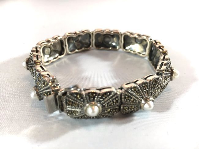 Sterling Silver pave' bracelet with seed pearls